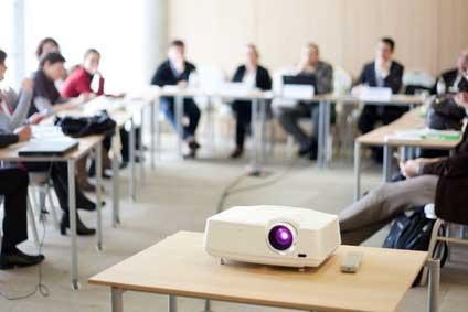 Mit DIN- Seminaren zum Normungsexperten werden